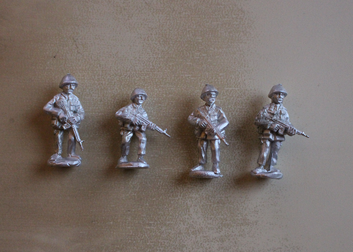 African Riflemen with G3 - Standing